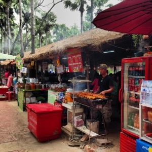 Puestecitos de comida en Sukhothai