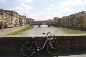 Ponte Vecchio al fondo